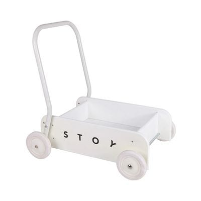 However, a trolley for 1-year-old is a classic baby walker. It is also a very convenient toy. Not only can it be used as a support when the child learns to walk. Not only can it be used to transport their building blocks all over the house. Now they no longer get the things one by one. The trolley will also be used to drive younger siblings and dolls. However, a cart for a 1-year-old is a perfect birthday gift for them.