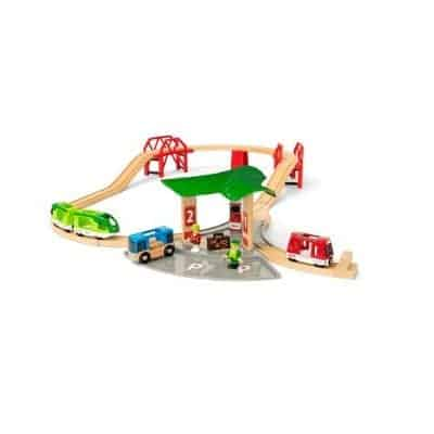 This is a train set that fit to give a 6-year-old as a gift. It has been the theme of travel and has both bus and train.