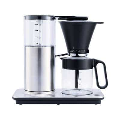 Coffee machine from Wilfa - brews coffee really fast (4-6 minutes) at a high temperature throughout the brewing process so that it becomes an optimal coffee flavor.