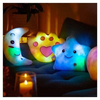 Many children are afraid of the dark, and then it can be an added comfort to have a cozy pillow in bed. These cushions feels safe and lighting.