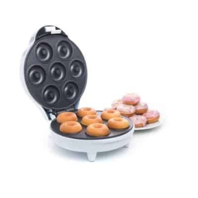 A donuts' maker is the perfect gift to give to the cooking interested already have all the stuff that he or she needs in the kitchen. With a donuts' maker, it takes only minutes to make the perfect mini donuts.